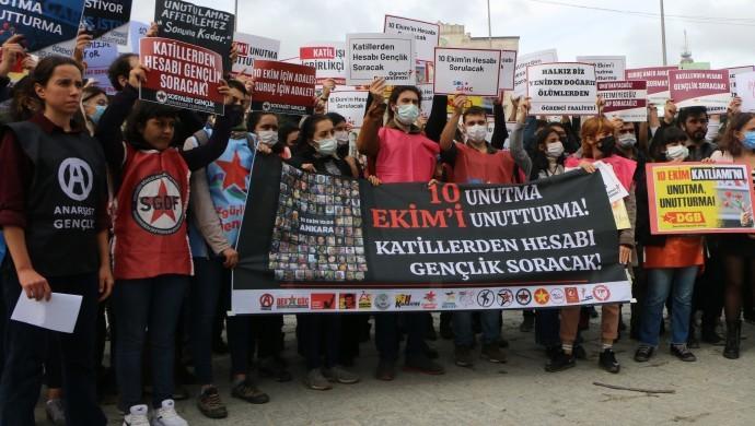 10 Ekim Katliamı'nda yaşamını yitirenler İstanbul'da anıldı