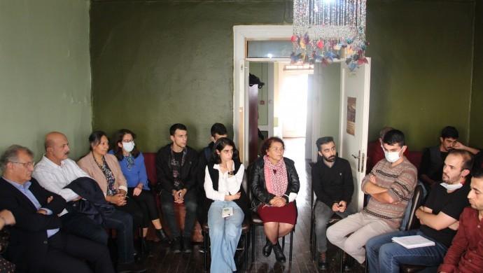 HDP, 'Bütçe Buluşmaları' kapsamında gençler ve ailelerle buluştu